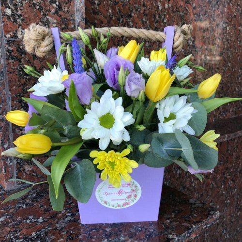 № 475 ящик с тюльпанами и эустомой