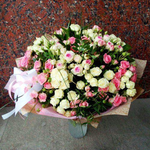№261 букет из кустовой розы