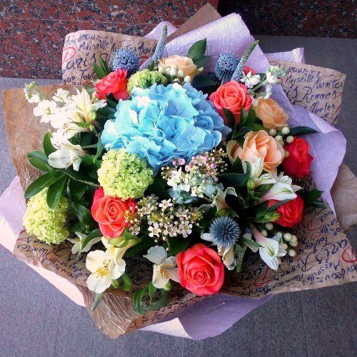 №144 букет с гортензией  и розами