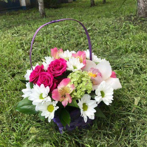 №142 корзинка с орхидеей и розами