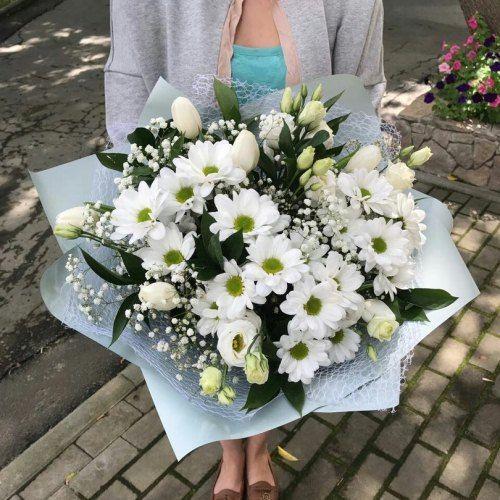 №146 букет с тюльпанами и хризантемой