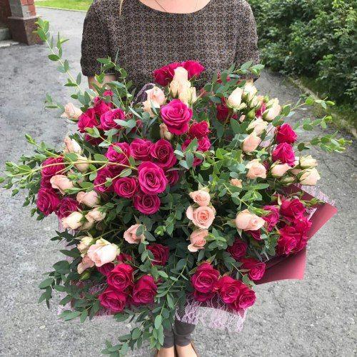 №296 букет из кустовой розы