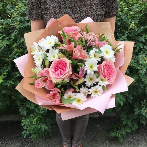 №306 букет с розами и хризантемой