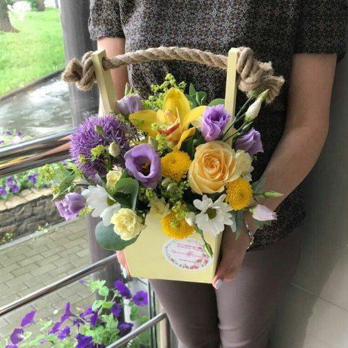 №309 ящик с орхидеей и эустомой
