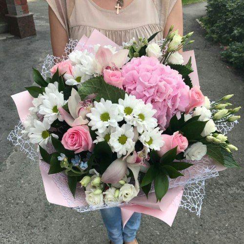 №314 букет с розами и гортензией