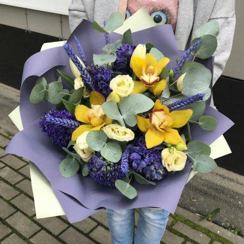 № 664  букет с гиацинтами и орхидеями