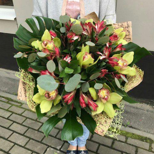 №318 букет с орхидеями