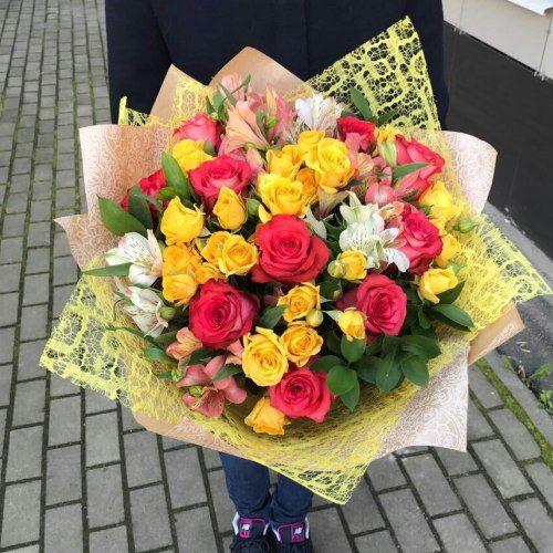 №319 букет с розами
