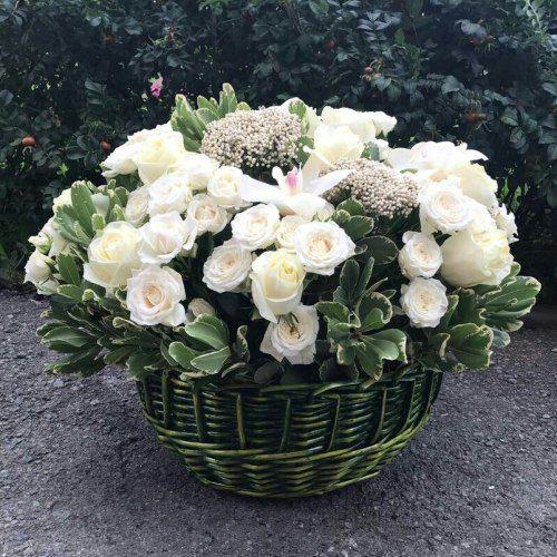 № 443  корзина роз
