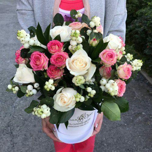 № 548 букет в шляпной коробке из роз