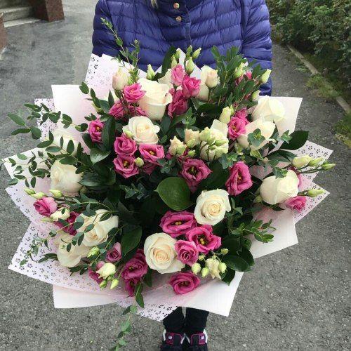 №400 букет с розами и эустомой