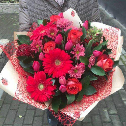 № 410 букет с розами и герберой