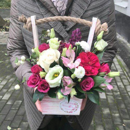 № 413 ящик с розами и эустомой