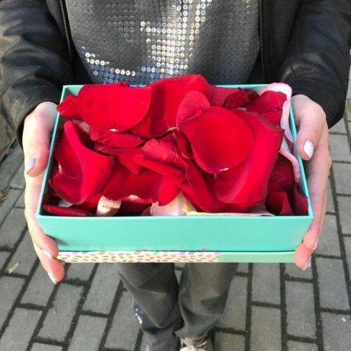 № 335 лепестки роз