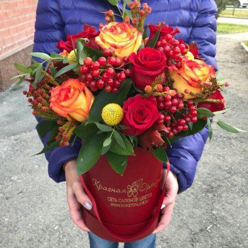№ 520 букет роз в шляпной коробке