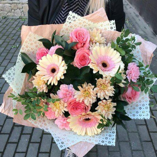 № 440 букет с герберой и розами
