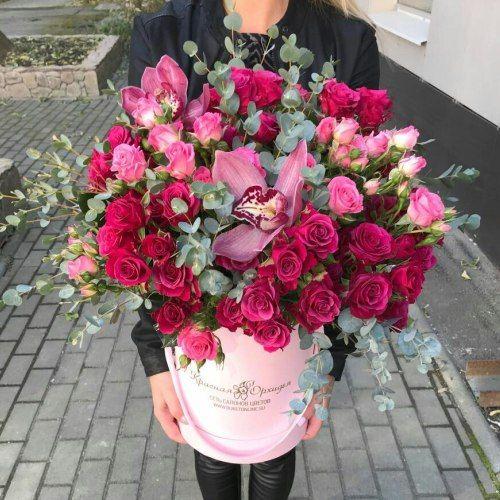 № 492 букет роз в шляпной коробке