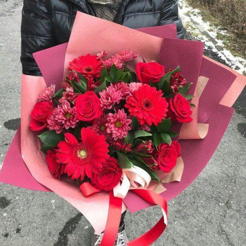 № 470 букет из роз и гербер