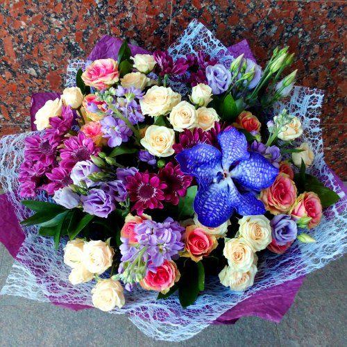 №083 букет с розами, эустомой и орхидеей