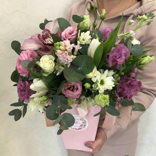 №497 композиция в коробочке с гиацинтами и орхидеей