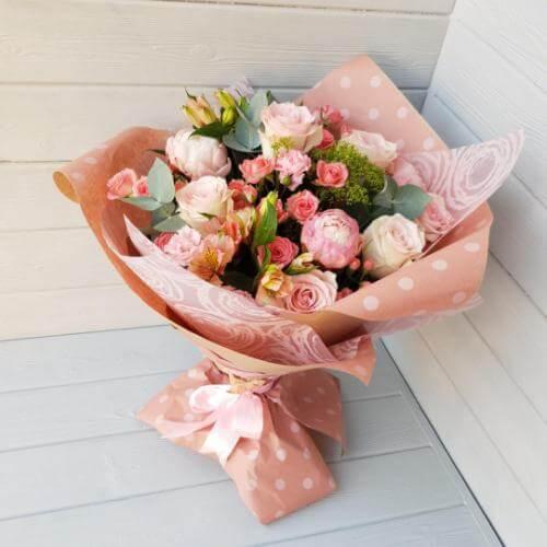 № 199 букет с пионами и розами