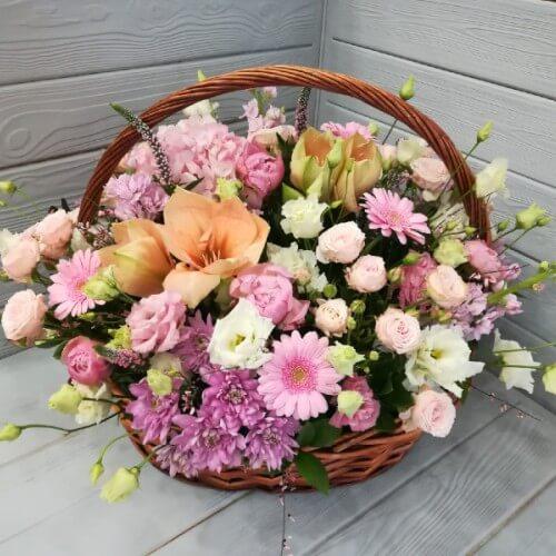№ 441 корзина с амариллисом,герберой и кустовой розой