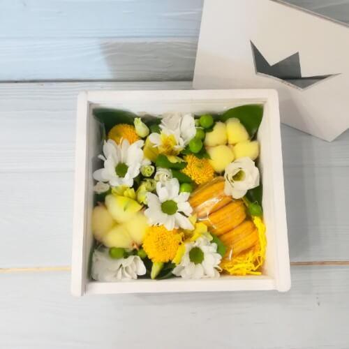 № 197 коробочка с макарунами