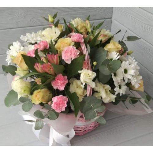 № 205 корзина из роз,альстремерий и хризантем