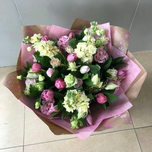 №238 букет из тюльпанов и эустомы