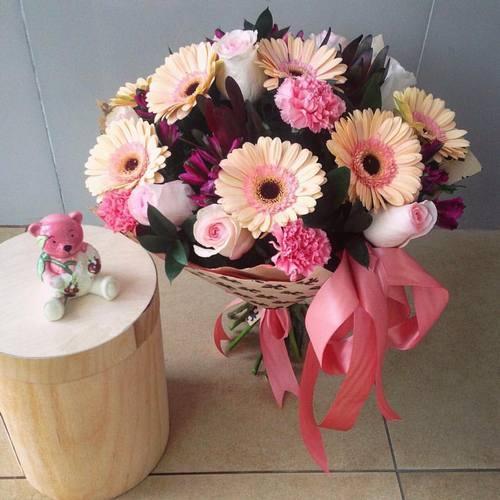 №28 букет с герберами и розой