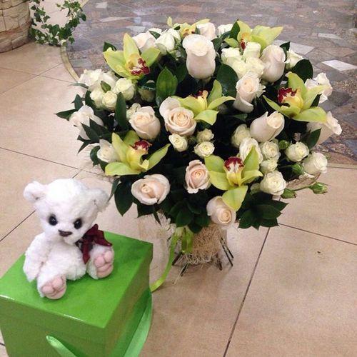 №71 букет с розами и орхидеями