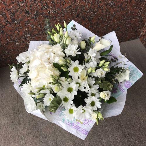 №16 букет из гортензии, хризантем и калл