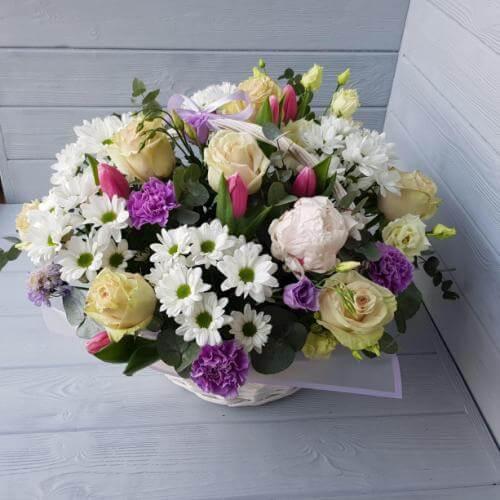 № 163 корзина с розами и тюльпанами