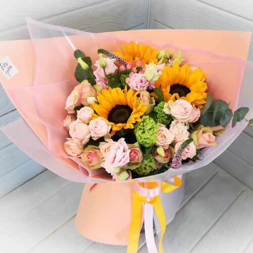 № 139 букет с подсолнухами и розами