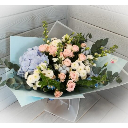 № 135 букет с розами и гортензией