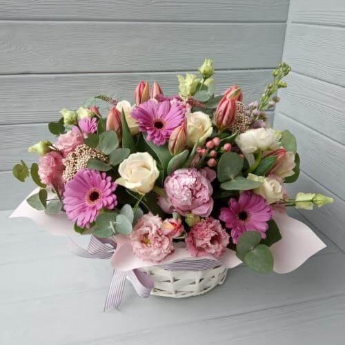 № 422 корзина с тюльпанами, розами и герберами