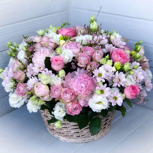 № 424 корзина из роз, эустомы, пионов