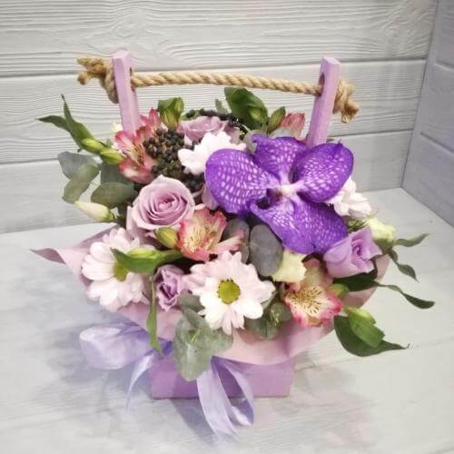 № 440 ящик с орхидеей и розами