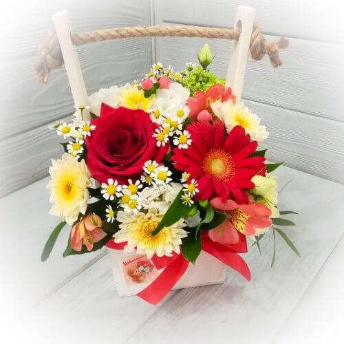 № 123 ящик с розами  и герберой