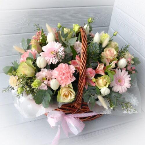 № 756  корзина с тюльпанами, герберами и розами