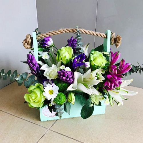 №222 ящик с гиацинтами и лилией