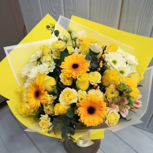 № 647 букет с розами и герберами
