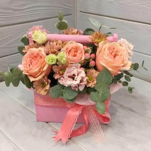 № 669 ящик с розами