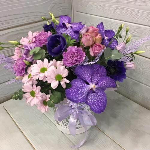 № 419 букет в шляпной коробке с орхидеями