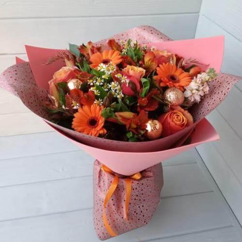 № 682 букет с герберами и розами