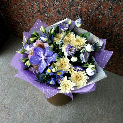 №51 букет с орхидеей, эустомой и хризантемой