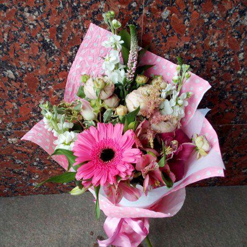 №244 букет с герберкой и орхидеей