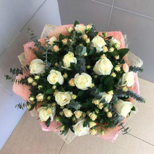 №210 букет с розами