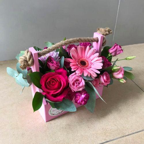 №245 ящик с розами и герберой