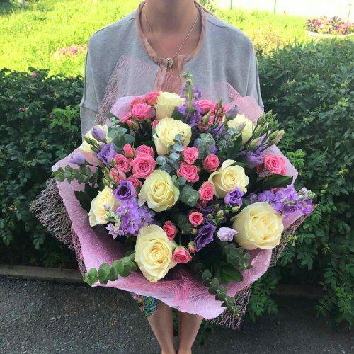 №277  букет с розами